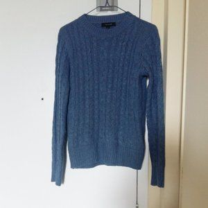 Blue Knit Sweater in size Medium (2 for 30$)